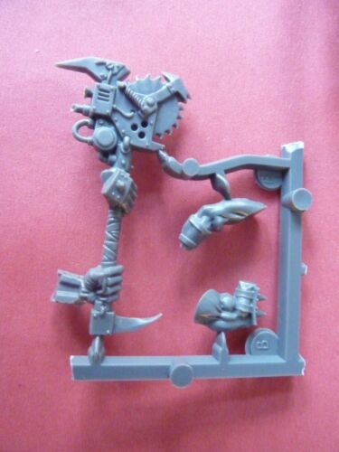 bit 40K A ORK NOBZ BIG choppa Set