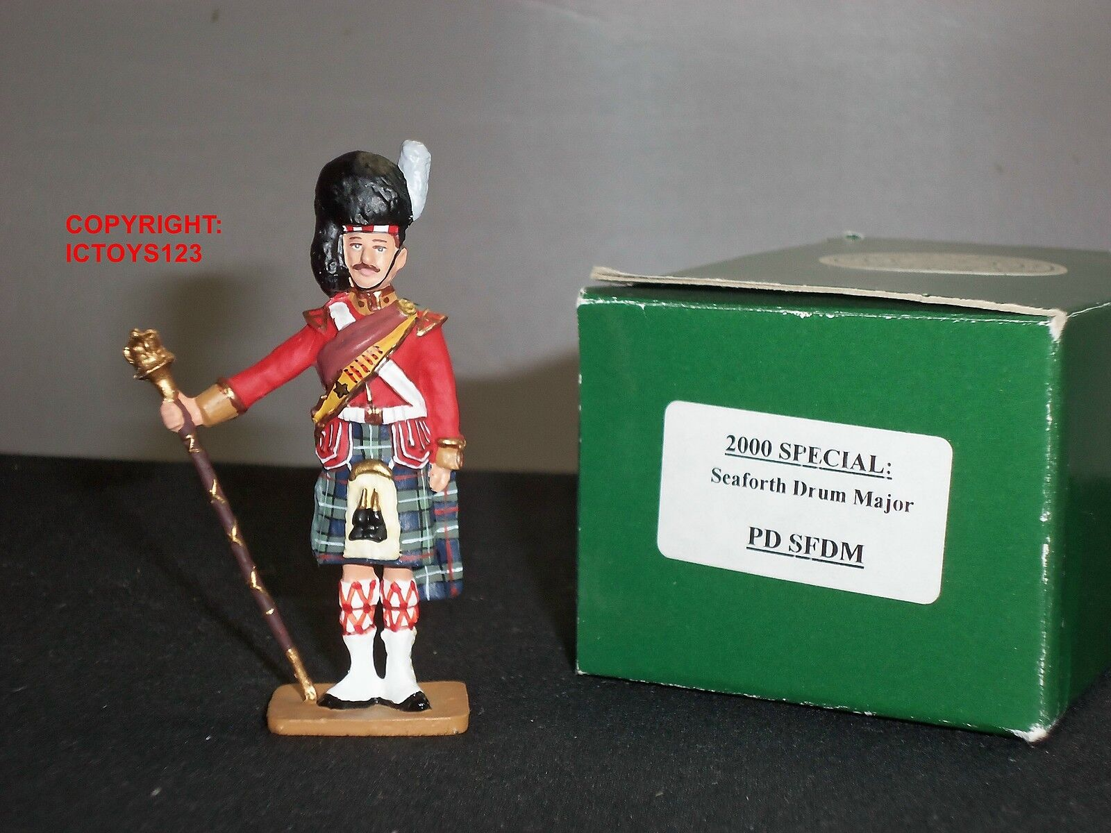 KING AND COUNTRY PDSFDM PIPES + DRUMS SEAFORTH HIGHLANDER DRUM MAJOR TOY SOLDIER