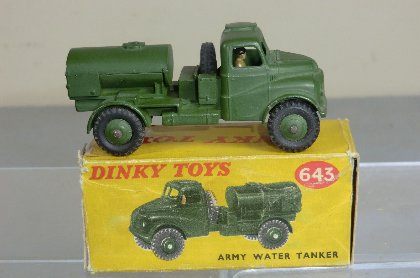 DINKY TOYS MODEL No 643   ARMY WATER TANKER       VN MIB