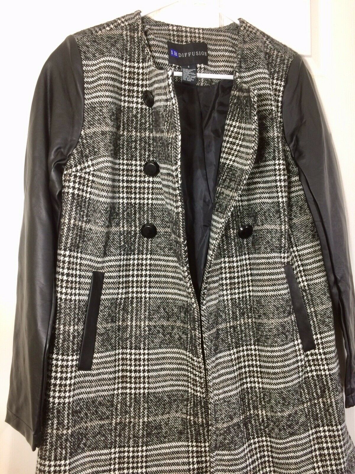 NWT Women's black-white plaid wool mixed faux leather long sleeves lined coat