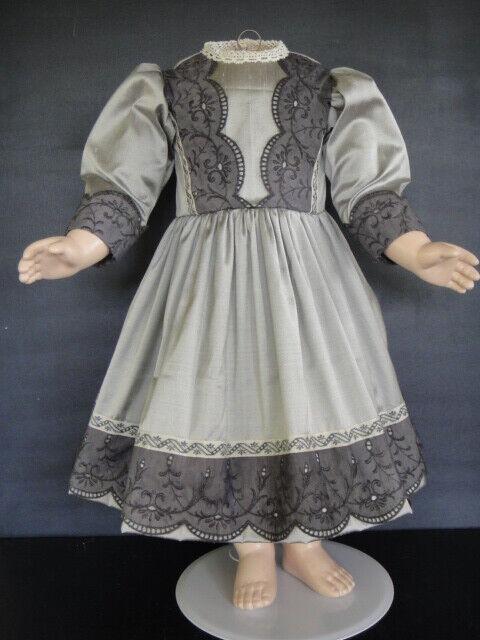 Dress Doll Silk grau - Größe  62-65 Cm. Antique Doll Dress - G.Bravot