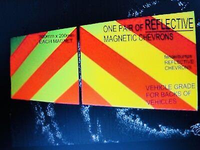 MAGNETIC REFLECTIVE CHEVRONS SAFETY BREAKDOWN HIGHWAY M//WAY CAR VAN HI VIZ SIGN