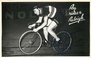 Ciclismo - Autografo di Reginald Harris (Birtle, 1920 - Macclesfield, 1992)