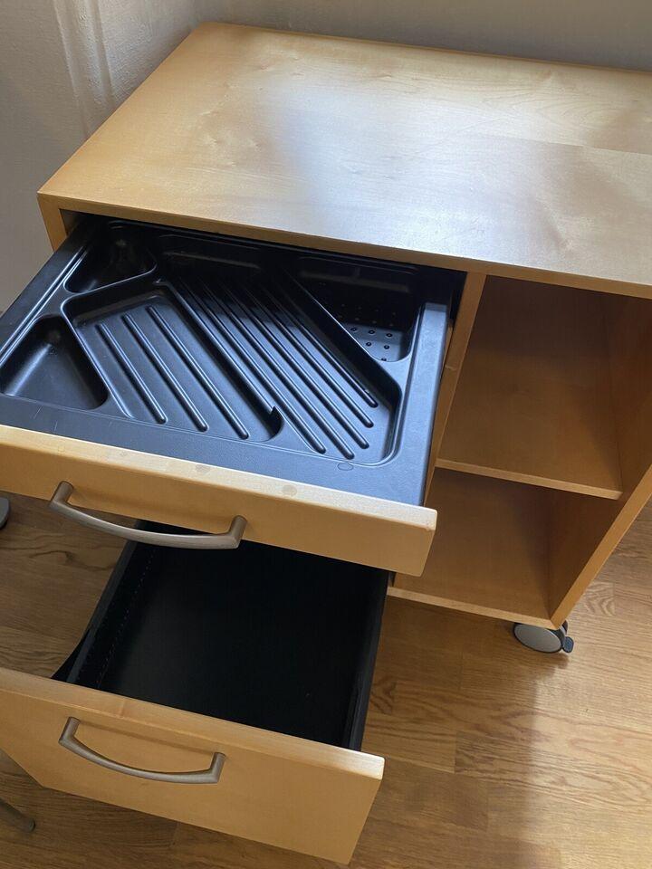 Kontormøbel - perfekt til skrivebordet
