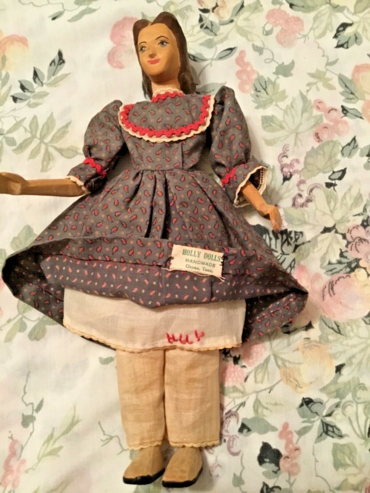 "Antique Helen Bullard NIADA 10"" Holly Tennesee Wood  Jointed Body Label Holly"