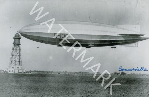 LOOKS AWESOME FRAMED BARNES WALLIS SIGNED 10X8 PHOTO CLASSIC B/&W IMAGE