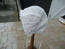 bonnet d'enfant brodé