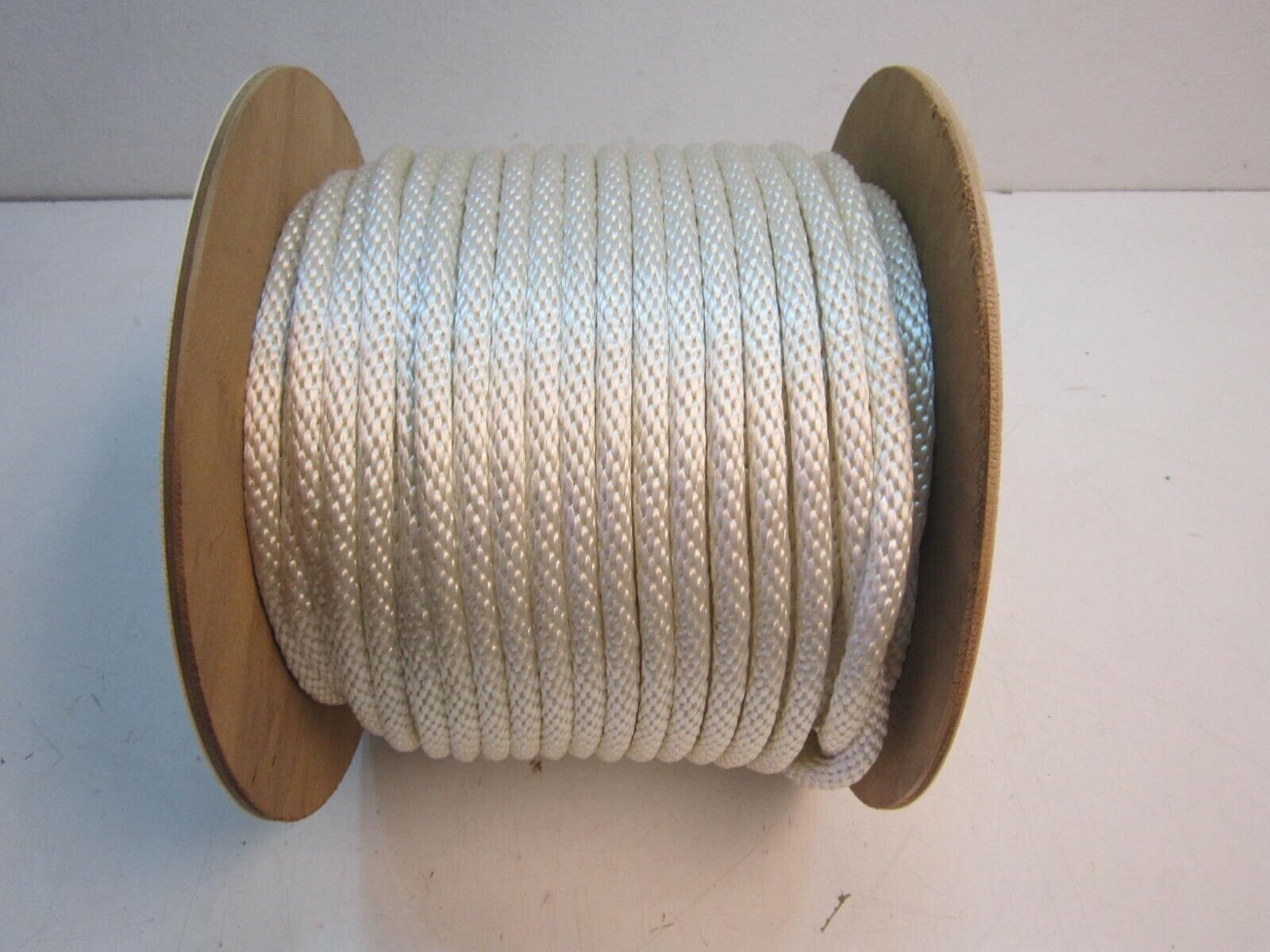 250 ft. x 1 2  Nylon Braided Rope 387 lb. Load Limit With Wooden Reel NEW