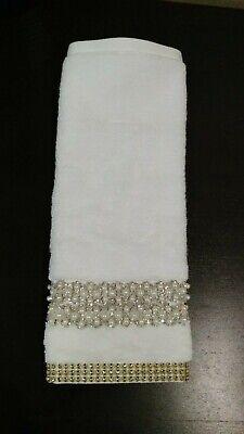 Deocorative Finger Tip Towels Embellished w//Christmas Scene Cotton White 2PK