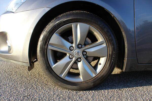 Toyota Avensis 1,8 VVT-i T2 Premium stc. - billede 3