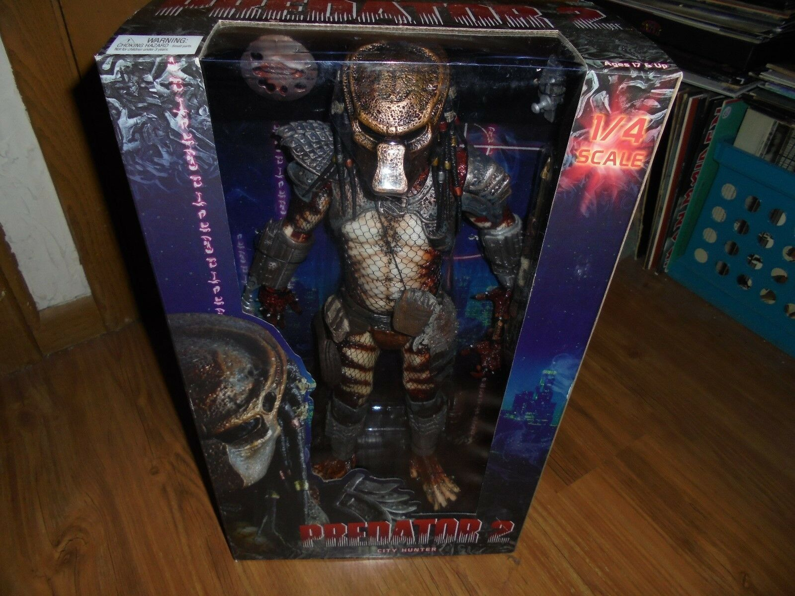 PREDATOR 2 -1 4 Scale Action Figure  CITY HUNTER (aka Ghost)   NECA 2012