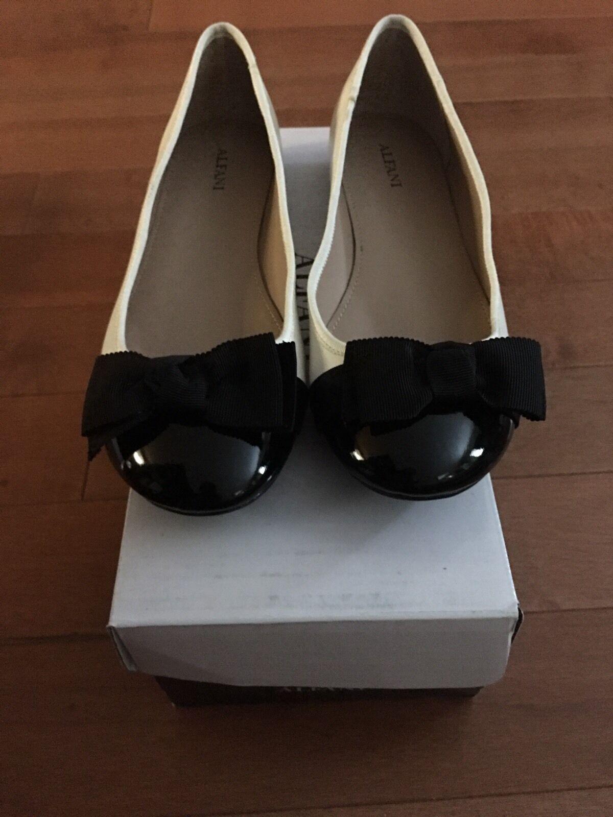 Alfani Amorvnla French Vanilla Ballet Flats With Tie Bow 7M