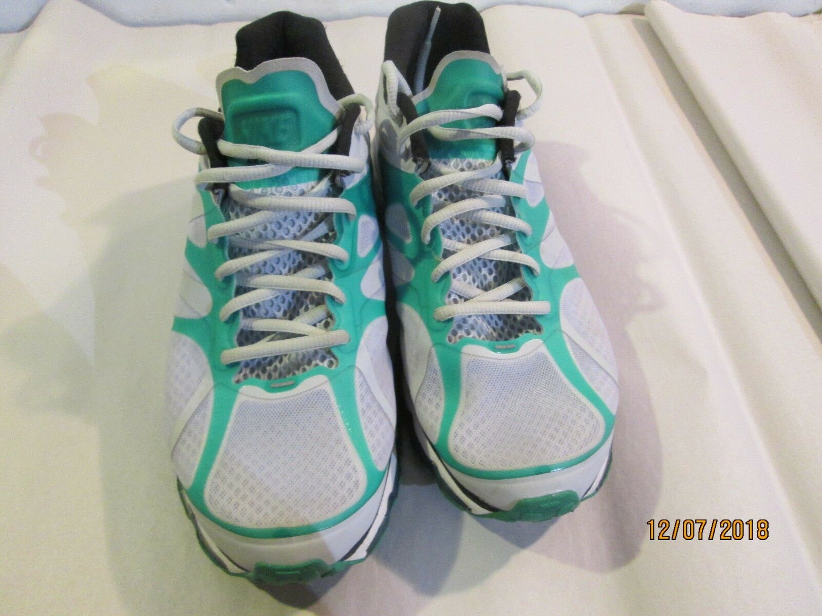 NIKE Air Max + green green green 487982-003 Size 9 Great Condition c4d7b9