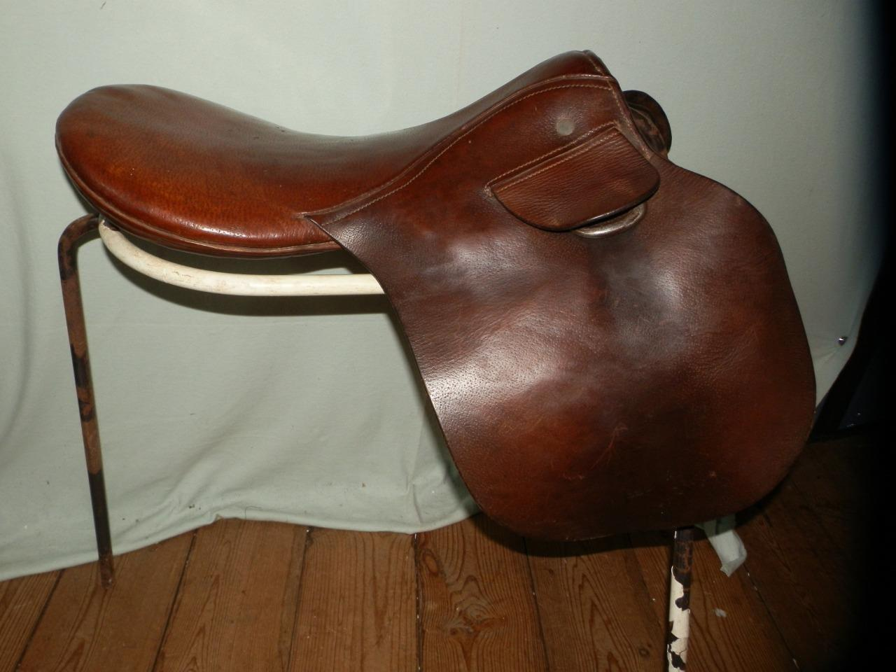 Vintage English Leather - Pony Piltch Pad Saddle (STUNNING PATINA)