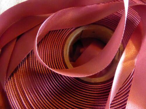 Calidad Berisfords Polvoriento Rosa Cinta De Raso 1.5CMs ancho//7 metro de longitud-Nuevo