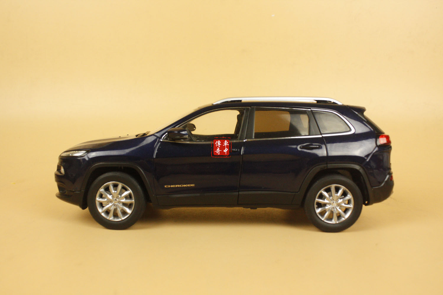 1 18 new Jeep Cherokee diecast model car bluee color