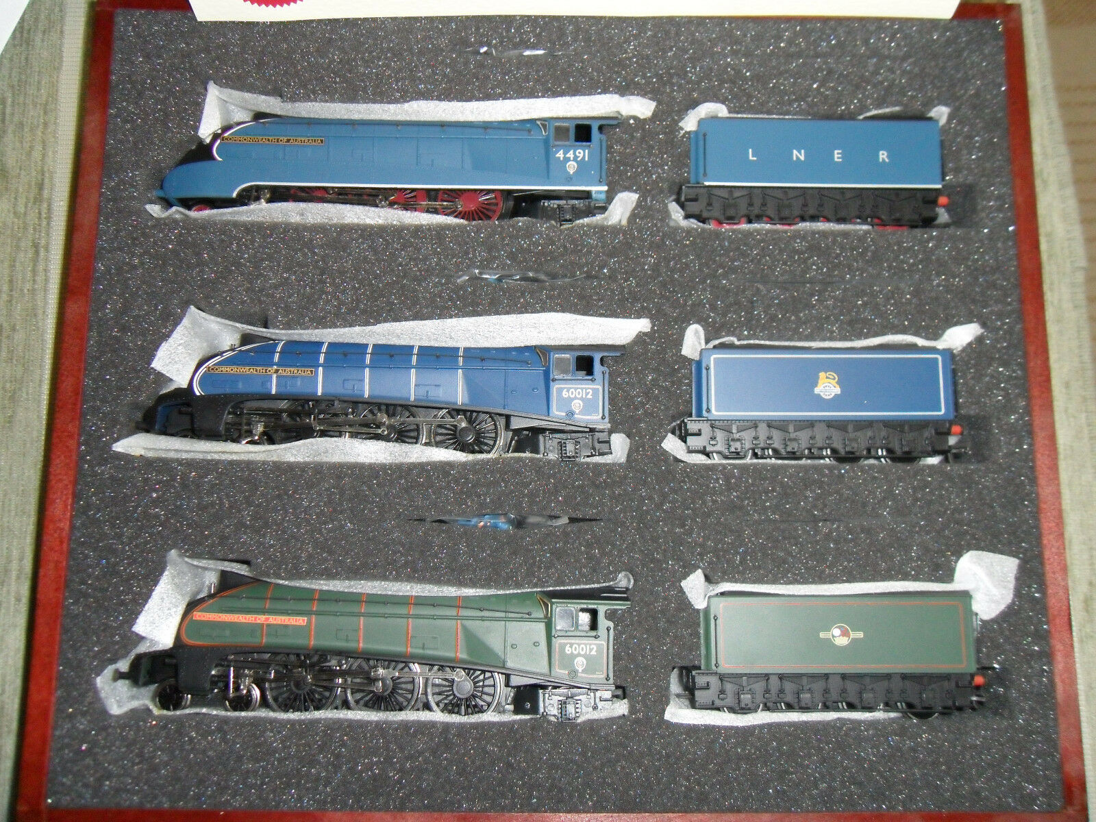 Bachmann 31-2001 Set of 3 Class A4 4-6-2 Commonwealth of Australia , BRAND NEW