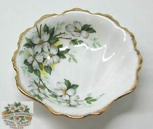 Shell-Seafood-Cocktail-Candy-Dish-Royal-Albert-White-Dogwood-vintage-England