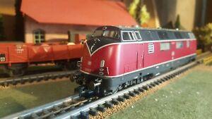 ROCO-echelle-ho-Motrice-diesel-de-la-DB-ref-43523