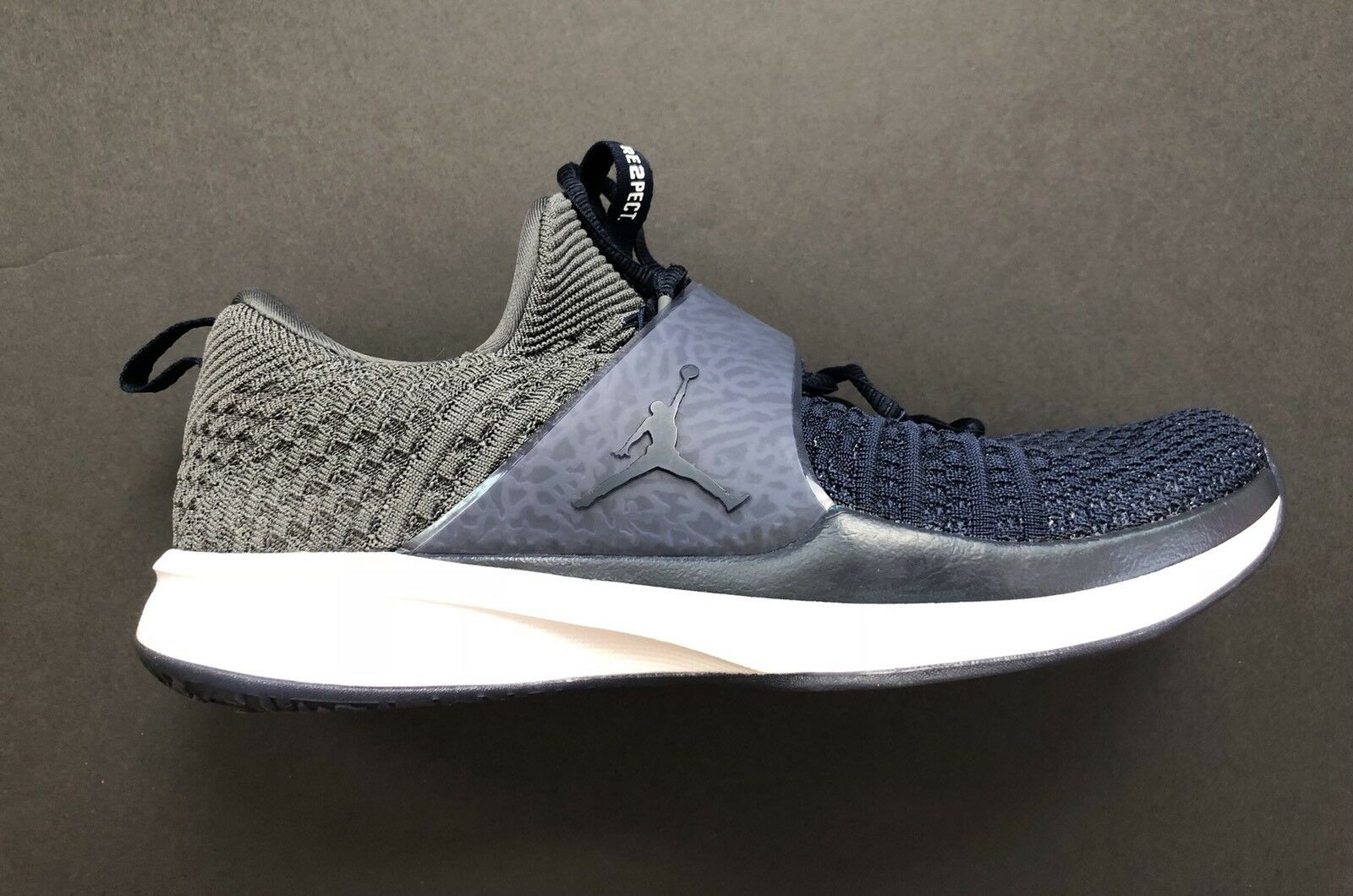 Nike Jordan Trainer 2 Flyknit Re2pect Size Derek Jeter Yankees 921210-106 Size Re2pect 14 19b282