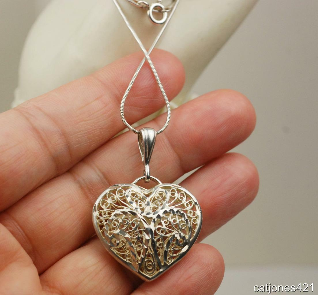 925 STERLING PUFFED LACEY HEART & STERLING SNAKE CHAIN