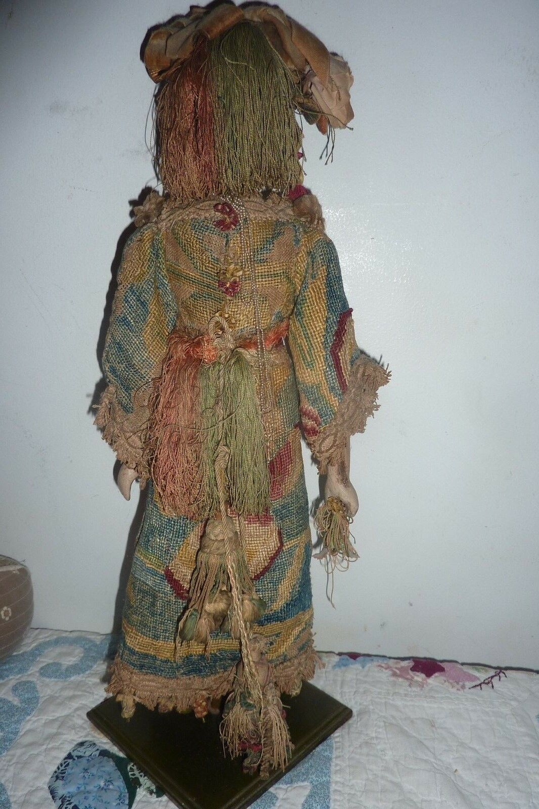 Antique   Vintage autoved gree Peg jointed jointed jointed Wooden bambola  tapestry dress 776a3a
