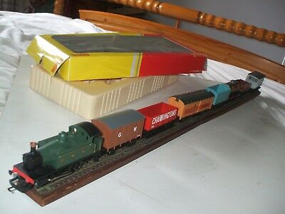 Hornby 0-4-0 Gwr Tank Plus Seven Assorted Wagons