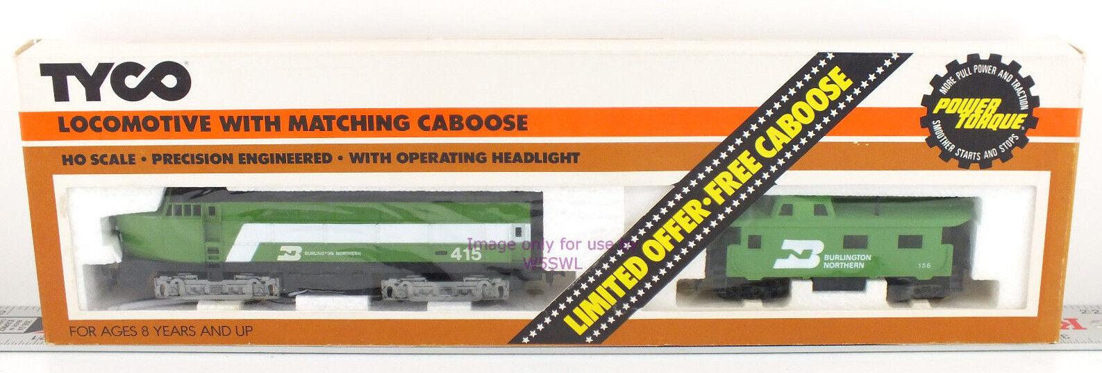 TYCO HO Burlington Northern  415 Locomotive with Caboose 262-17 UNUSED