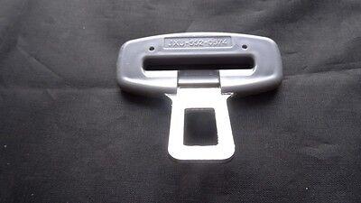 SAAB 93 95 SEAT BELT ALARM BUCKLE KEY INSERT PLUG CLIP SAFETY CLASP STOPPER