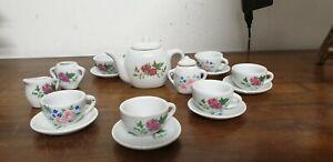 Ancien-jouet-coffret-de-dinette-porcelaine-service-a-cafe-ou-the-vintage