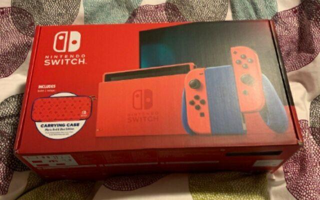 Nintendo Switch Mario Red & Blue Edition - 32GB
