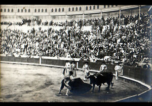 ARENES-CORRIDA-animee-Carte-Photo-postale-debut-1900