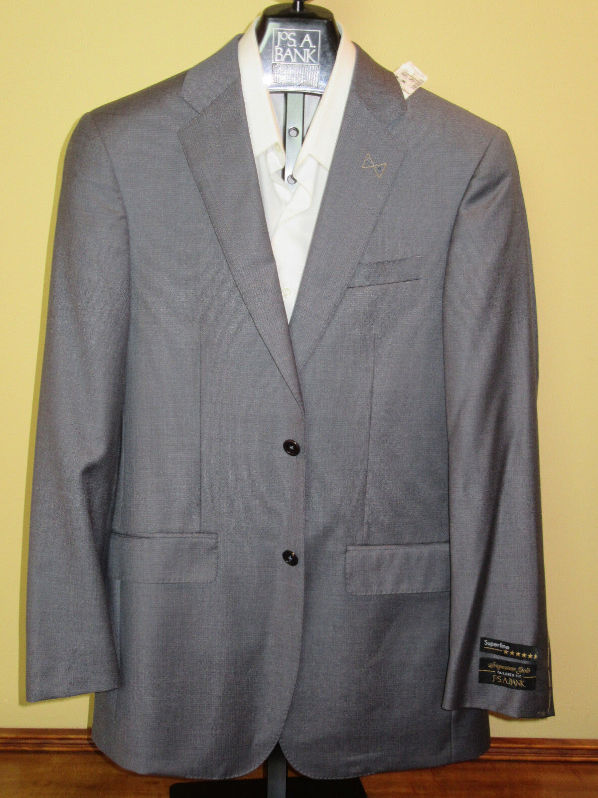 1295 new Jos A Bank Signature Gold Grau pattern suit 38 L 32 W tailoROT fit