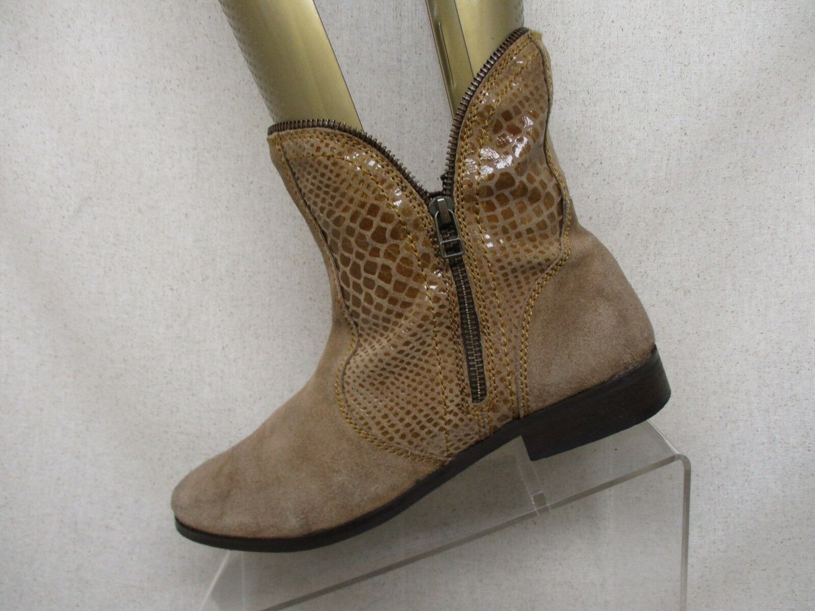 Catherine Brown Suede Leather Zip Ankle Fashion Boots Bootie Size 9