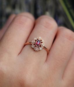 1-6ct-Oval-Cut-Red-Garnet-Engagement-Ring-14k-Rose-Gold-Finish-Vintage-Milgrain