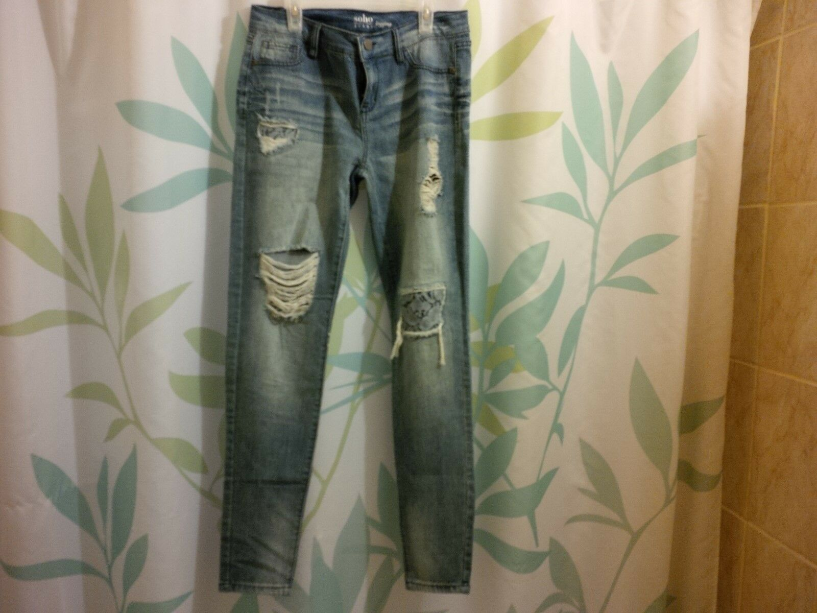 New York & Co Jeans Lace Accent Destroy Legging