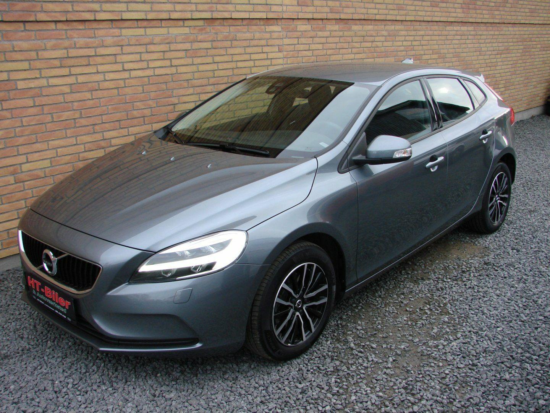 Volvo V40<span class=ik_subtitle>2,0 D3 150 Momentum 5d</span>