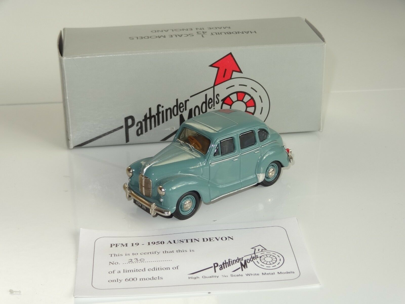 (EB)  Pathfinder white metal AUSTIN DEVON 1950 - PFM 19