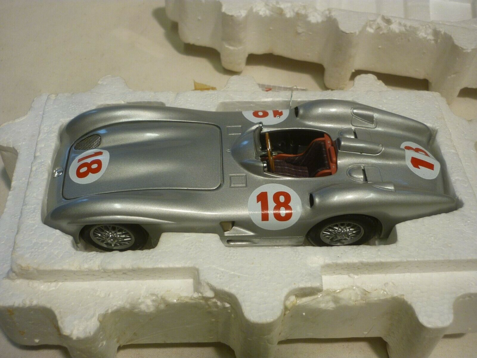 A well detailed Franklin mint 1954 Mercedes Benz W196R, Boxed,