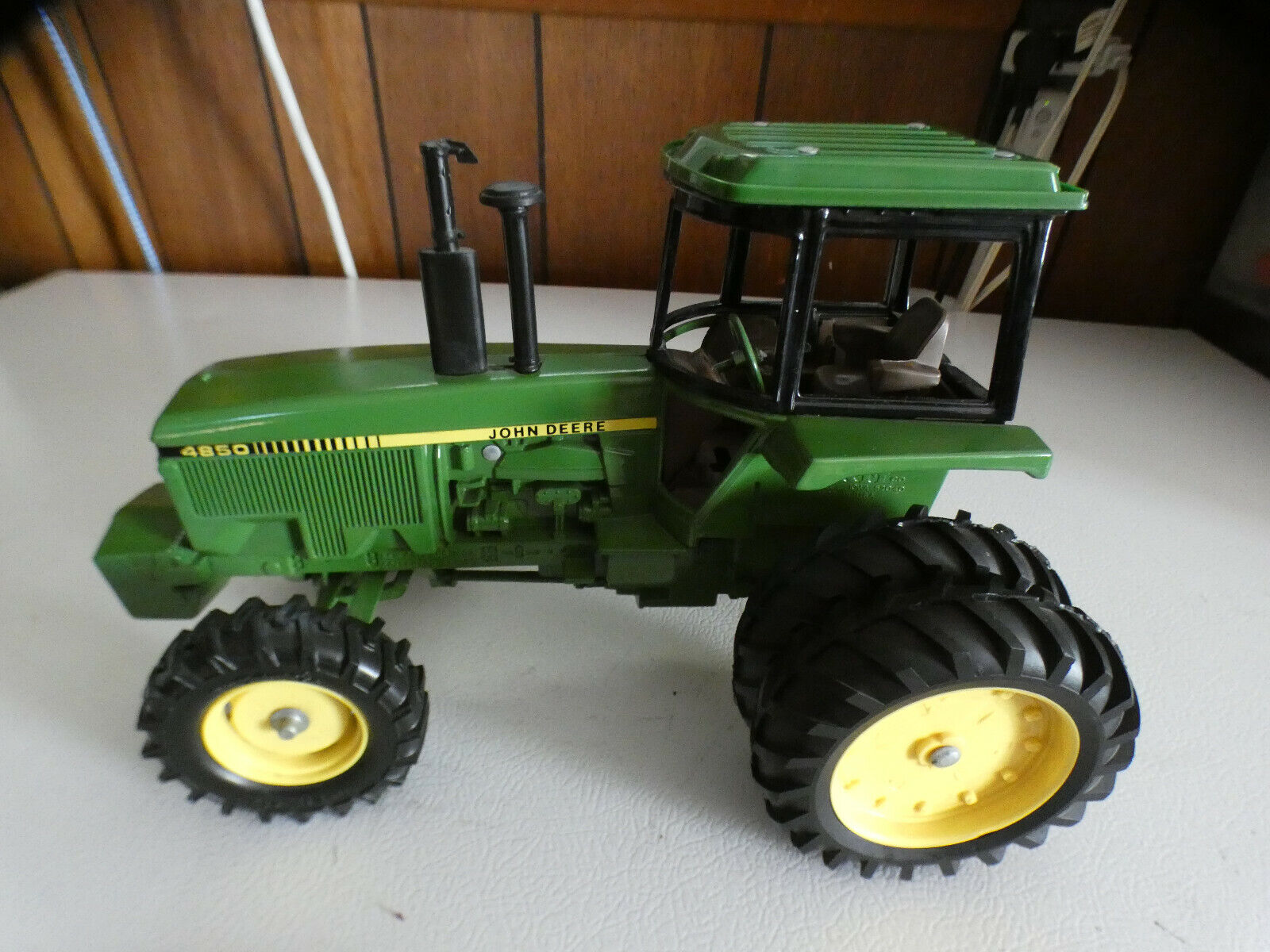 John Deere 4850 tractor-----New Orleans Collector Edition 1982