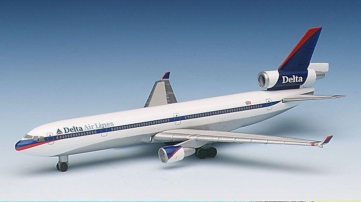 Herpa 503327 delta airlines mcdonnell douglas md-11 1  500 - skala im ruhestand 1998