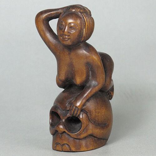 Japanese 1940/'s Netsuke Boxwood Wood Lady On Skull Figurine Carving WN644