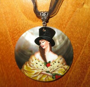Pendant-Eve-Frank-Cadogan-Cowper-Russian-Hand-Painted-Shell-Reproduction-signed