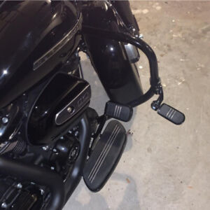 Black-32mm-Highway-Foot-Pegs-Pedals-For-Harley-Touring-Road-King-Street-Glide-TH