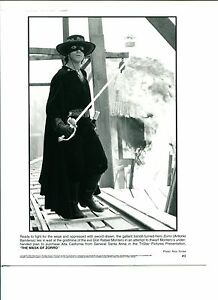 Antonio-Banderas-The-Mask-Of-Zorro-Original-Press-Movie-Still-Photo