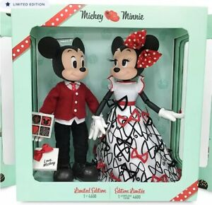 Disney Mickey and Minnie Mouse Limited Edition Valentines Sweethearts Doll Set