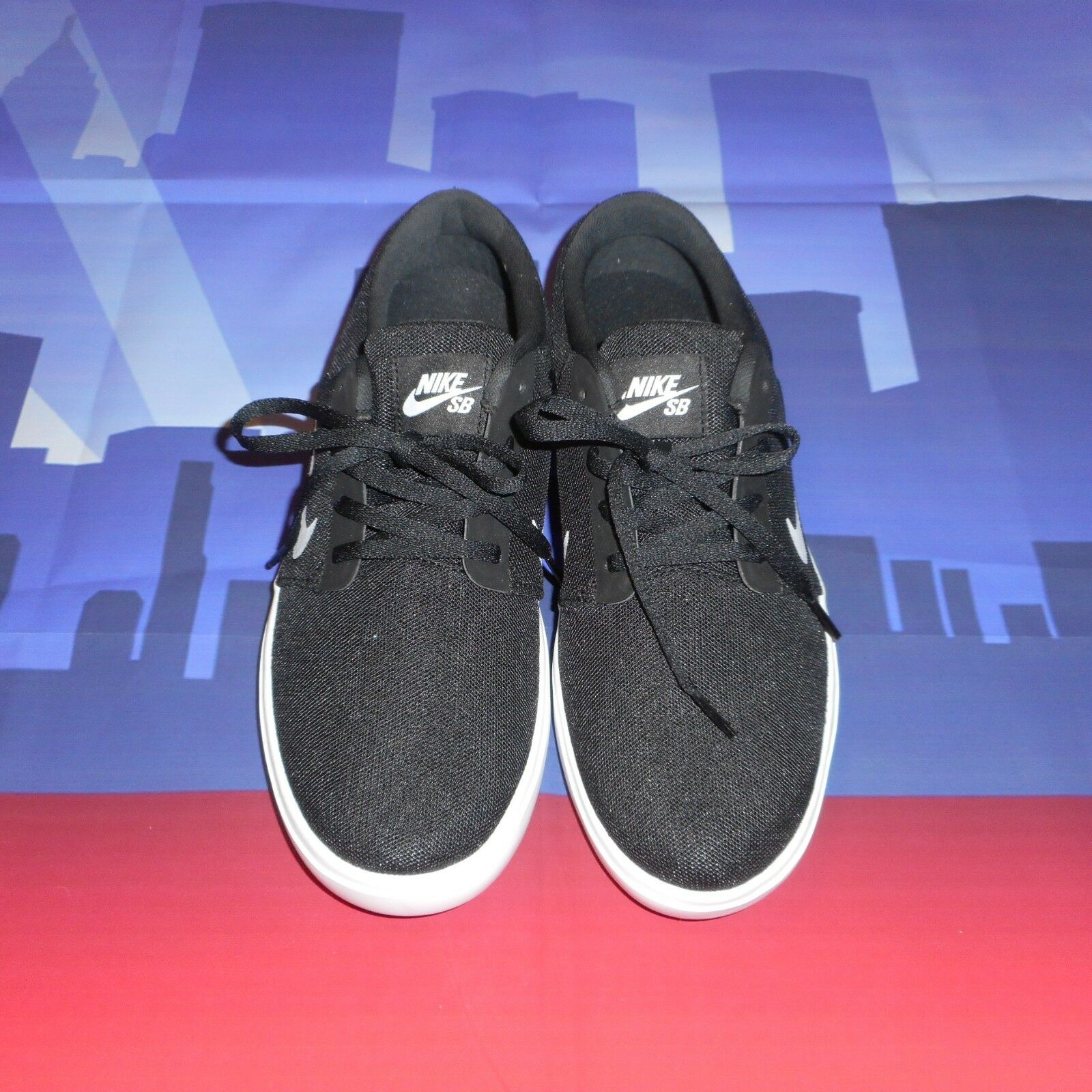 NIKE Sz 8 Black White Laces Casual Sneakers