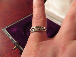 Bezaubernder-925-Silber-Ring-Dreieck-Rillen-Rauchquarz-Schlicht-Einfach-Modern