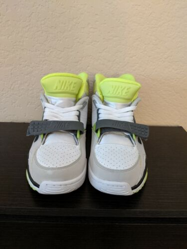 Nike Air Trainer Sc Volt Size 8.5 used
