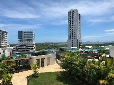 Departamento Amueblado en Malecón Cancún, Q. Roo. (d103)